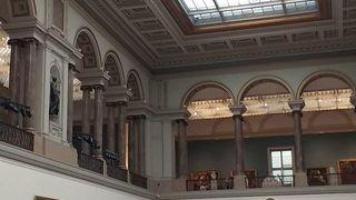 古典美術館とマグリット美術館
