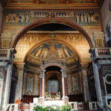 サンタ プラッセーデ教会