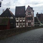ドイツ語でフィッシャーフィアテル(Fischerviertel)