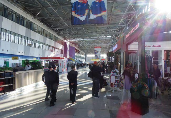 コンパクトな国際空港