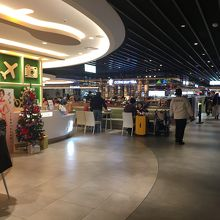 統一超商美食広場 (桃園国際空港ターミナル2)