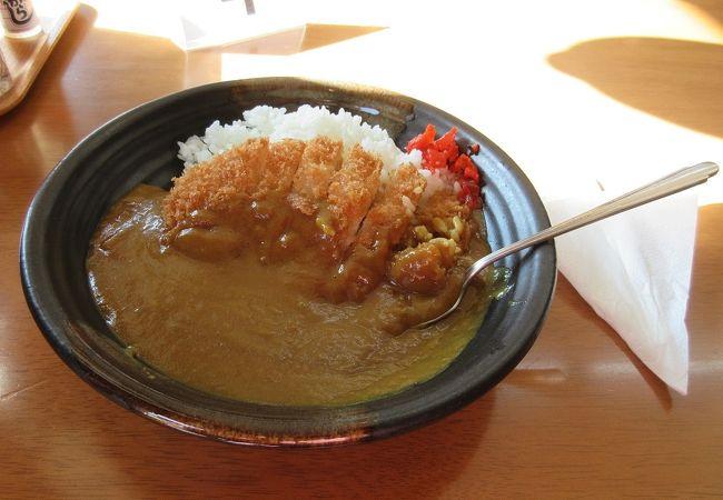 萩城近くにある観光客向けのお土産物屋さん兼レストランです。