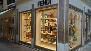 フェンディ (ベネチア店)
