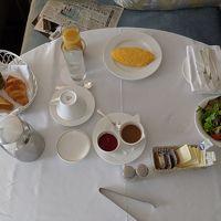 朝食のルームサービス