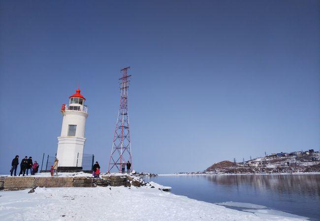 雪の中の灯台は素敵でした