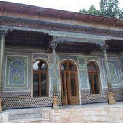 イスラム建築の建物も見事です