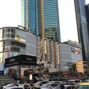超近代的な大型ショッピングセンターレストランもいっぱい