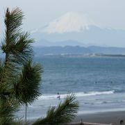 サーファーと富士山