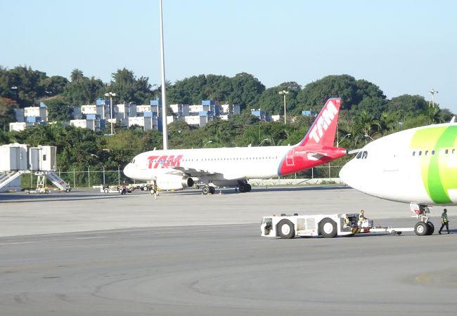 アントニオ カルロス ジョビン国際空港 (GIG)