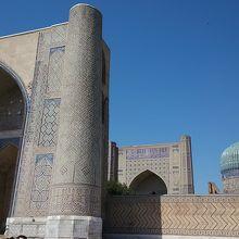 とても大きなモスク