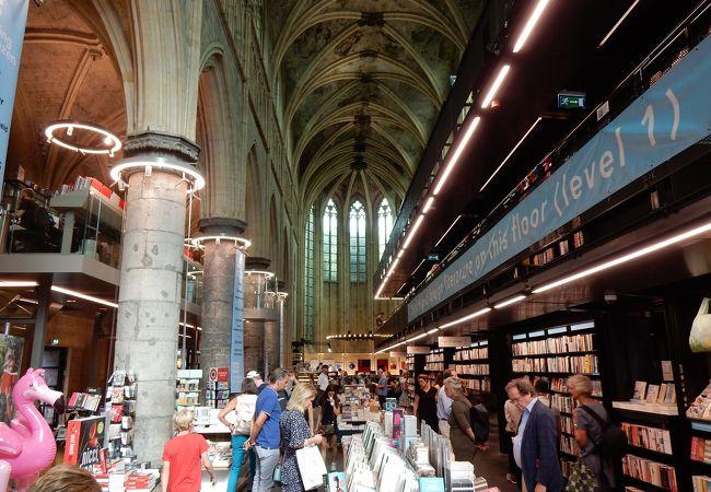 美しい本屋 in オランダ