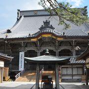 日蓮上人の生家跡にお堂を建立したのが誕生寺の始まり