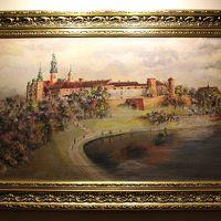 廊下の突き当たりにはヴァヴェル城を描いた絵画。