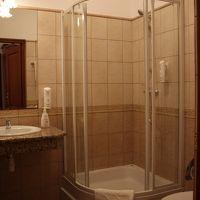 洗面所にはバスタブはありませんが、広々として快適。