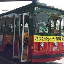吹き抜けになっているバスもあります