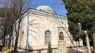 オスマン廟とオルハン廟