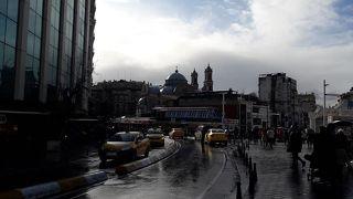 エミノニュ広場