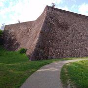 立派な城壁は見られるの