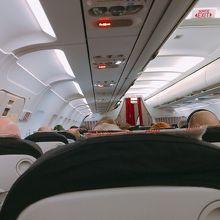 機内12Bの座席からみた