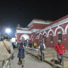 アグラ カント駅
