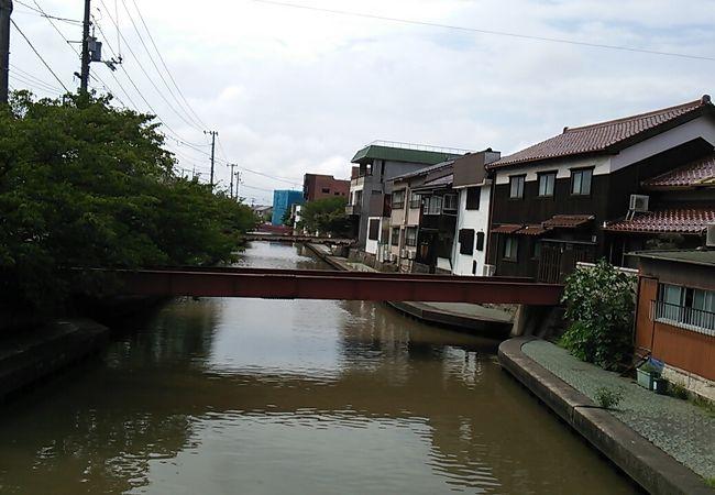 川と街並みのコントラストが良かったです