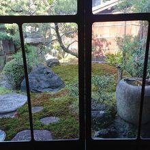 部屋から見えるお庭