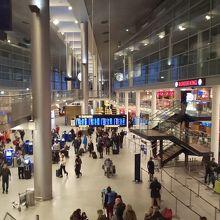 カストルップ国際空港 (CPH)