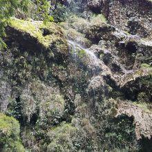 ツマログ滝 (神秘の滝)