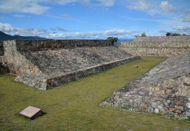 訪れる人も少ないヤグル遺跡