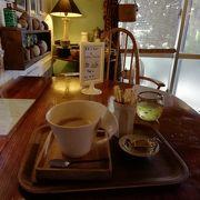 こじゃれたカフェ
