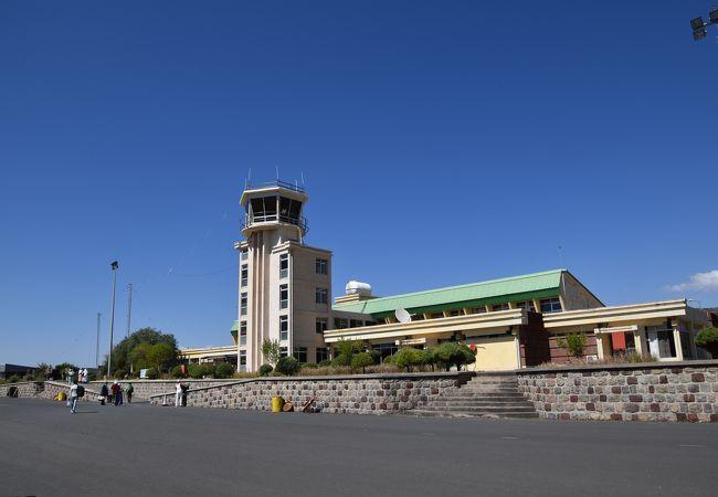 ラリベラ空港 (LLI)