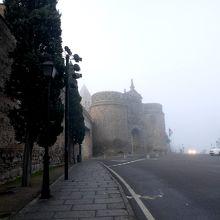 ビサグラ新門