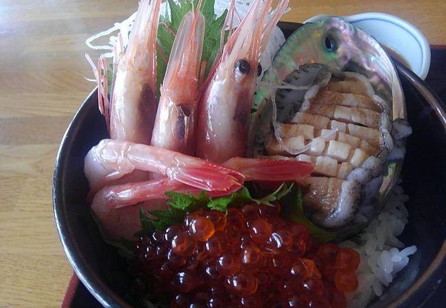 鶴亀温泉 レストラン