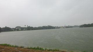 インヤー湖