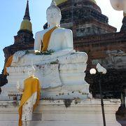 歴史感じる寺院
