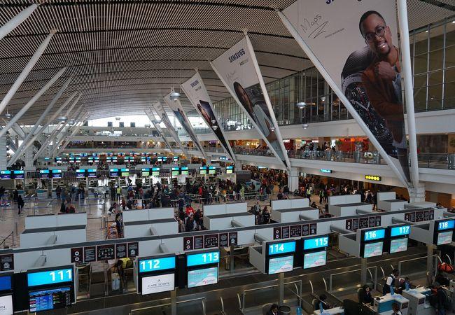 ケープタウン国際空港 (CPT)