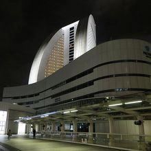 「クイーンズスクエア横浜」から出ると、もう目の前です