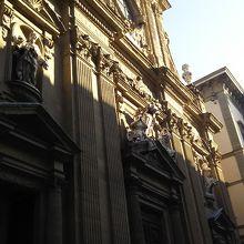 サンティ ミケーレ エ ガエターノ教会