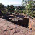 写真:ラリベラの岩窟教会群