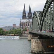 ライン川にかかる鉄橋