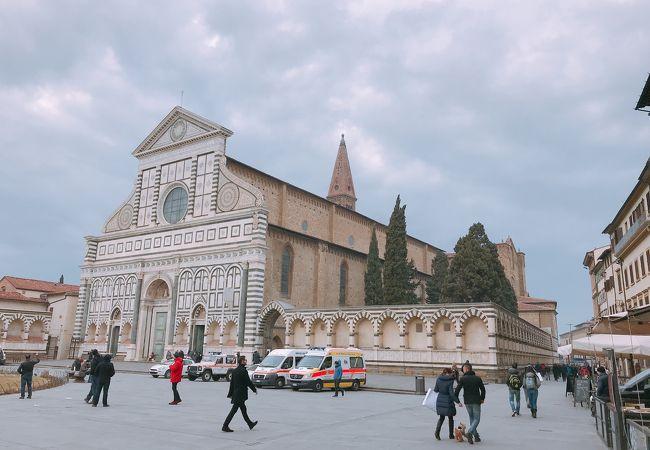 駅近 「サンタ マリア ノヴェッラ教会」 イタリア フィレンツェ