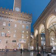 ヴェッキオ宮の前 「シニョリーア広場」 イタリア フィレンツェ