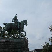 ホーエンツォレルン橋たもとの騎馬像