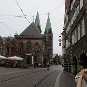 旧市街の目抜き通り