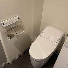トイレは個室タイプでした