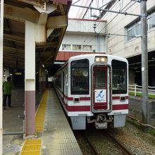 越後湯沢駅に停車中の列車です。