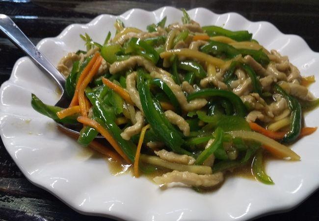 行きつけの台湾料理屋で昼飲み