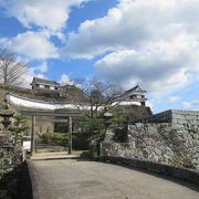 福岡城や大分城とは比較にならないほどこじんまりとしてコンパクトなお城でした。