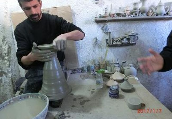 ツアーでの陶器工房の見学