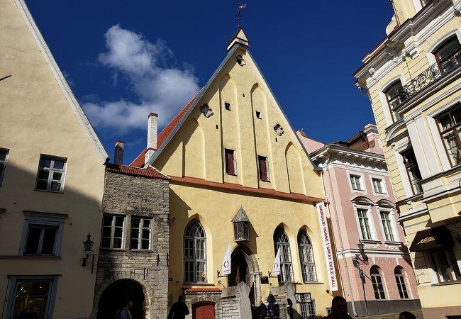 ギルド会館として長く活躍した建物